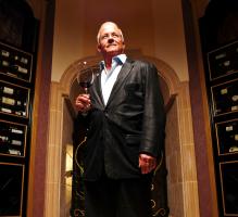美国首位侍酒师大师——艾迪·奥斯兰德