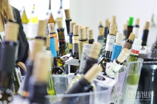 为什么葡萄酒的酒精度有高有低?