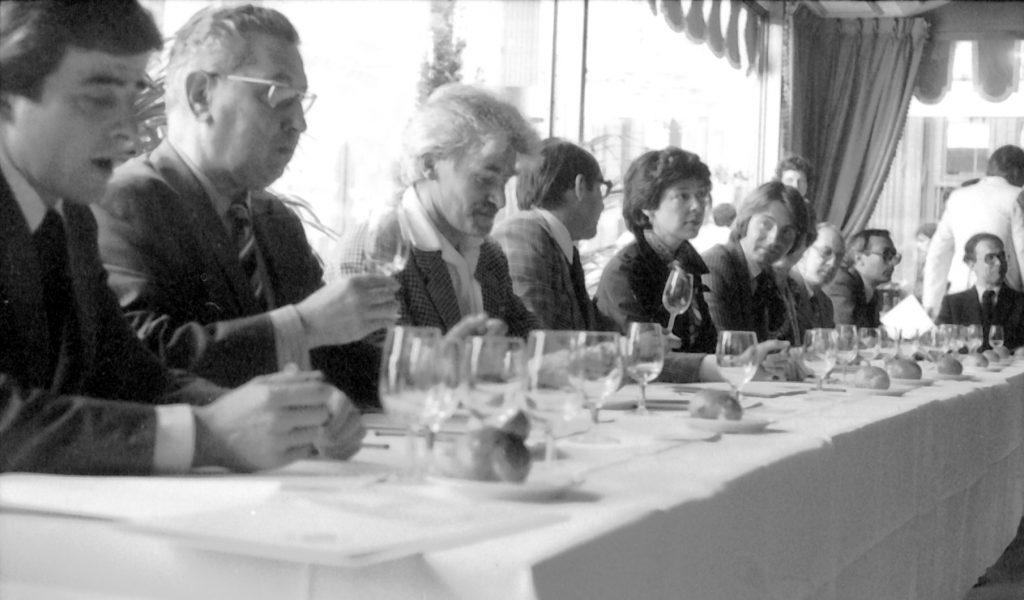 """又一酒界传奇落幕,""""巴黎审判""""组织者史蒂芬·史普瑞尔离世"""