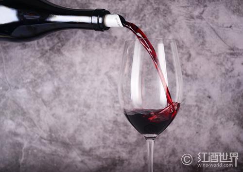 葡萄酒醋是葡萄酒变的吗?