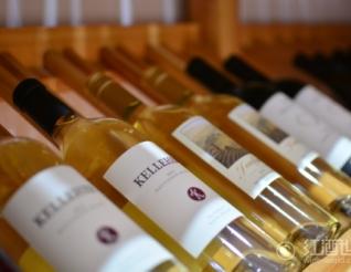 """16种精美酒架设计,给葡萄酒一个""""安身之所"""""""