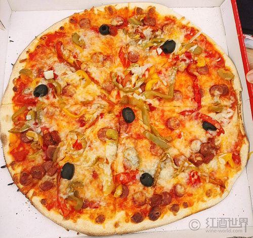 披萨和葡萄酒,这样搭才够味