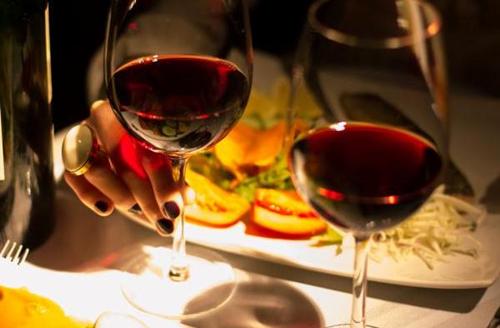阿根廷的珍宝——马尔贝克葡萄酒配餐