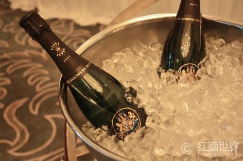 水果冰淇淋+香槟,让你尽享夏日清凉!