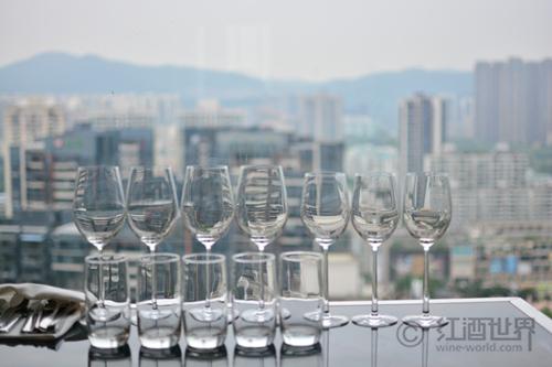 葡萄酒杯对葡萄酒品尝的影响