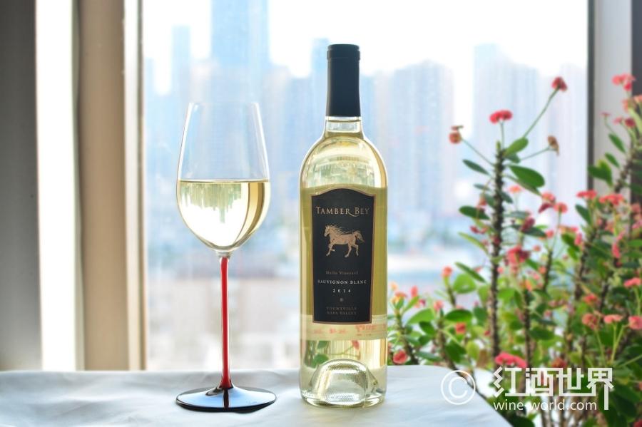 喜欢白葡萄酒吗?看这里,看这里,看这里……