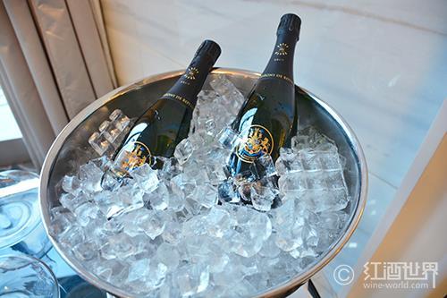 在家储放香槟的小技巧