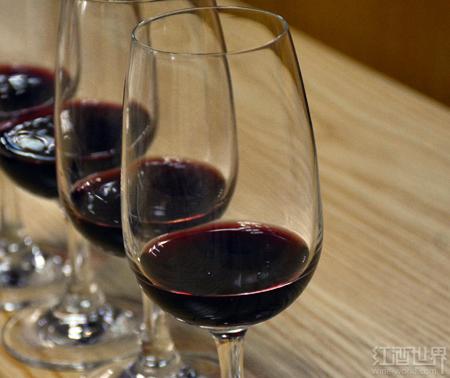 软木塞受到污染的葡萄酒有害健康吗?