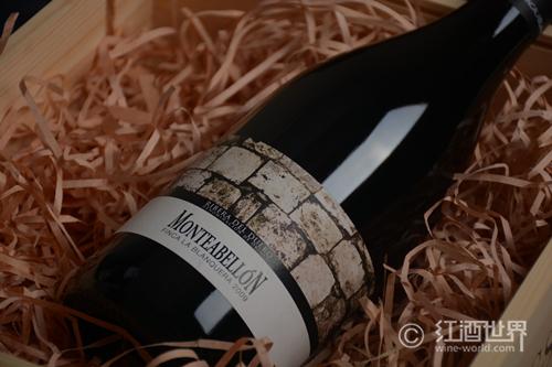 发现红葡萄酒中的水果风味