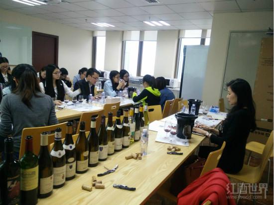 红酒世界聘请亚洲首位葡萄酒大师李志延任葡萄酒顾问