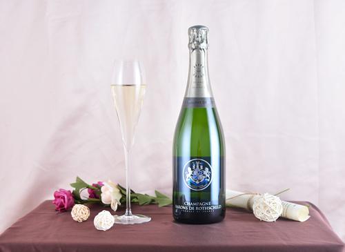 香槟以外,还有哪些葡萄酒适合搭配海鲜?